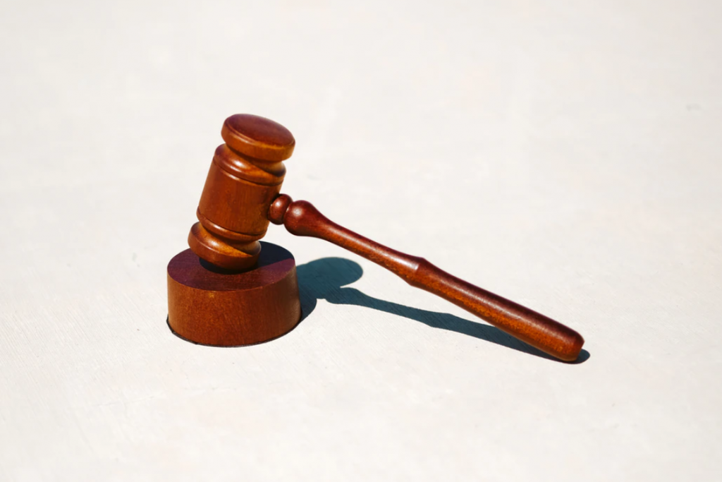 What Does a Franchise Contract Lawyer Do?